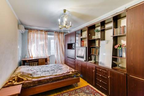 Сдается 1-комнатная квартира посуточнов Ростове-на-Дону, Семашко 50.
