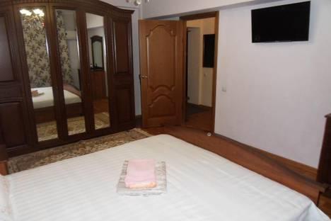 Сдается 1-комнатная квартира посуточно в Алматы, ул. Карасай батыра, 108.