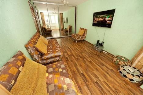 Сдается 1-комнатная квартира посуточнов Орджоникидзе, бульвар Вити Коробкова, 3.
