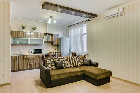 Сдается 3-комнатная квартира посуточно в Ростове-на-Дону, Красноармейская ул., 141/128.