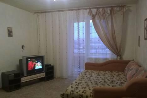 Сдается 1-комнатная квартира посуточно в Волжском, ул.Александрова 18.