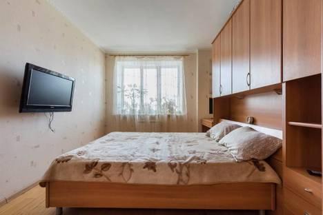 Сдается 1-комнатная квартира посуточнов Санкт-Петербурге, Мартыновская ул., 14.