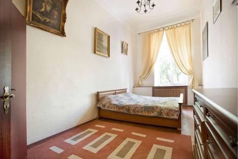 Сдается 3-комнатная квартира посуточнов Санкт-Петербурге, ул. Большая Конюшенная, 1.