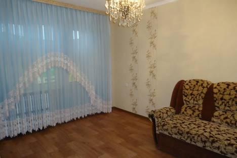Сдается 2-комнатная квартира посуточно в Ельце, мкр. Александровский 10.