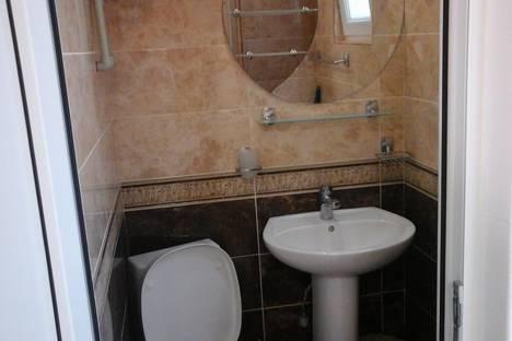 Сдается 1-комнатная квартира посуточнов Мирном, Красноармейская 18.