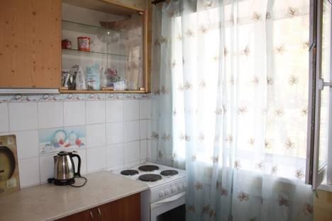 Сдается 2-комнатная квартира посуточново Владивостоке, октябрьская 16.