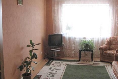 Сдается комната посуточнов Омске, ул. Маяковского,  15.
