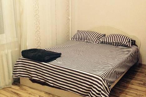 Сдается 2-комнатная квартира посуточно в Армавире, ул. Кирова, 43.