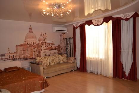 Сдается 1-комнатная квартира посуточно в Воронеже, проспект Революции, 9а.