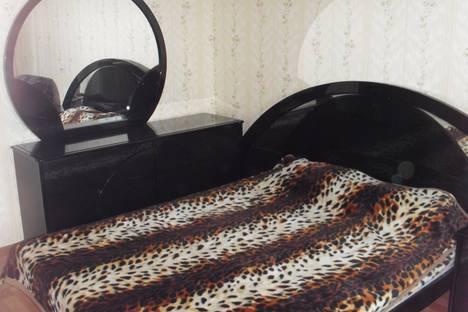 Сдается 2-комнатная квартира посуточно в Хабаровске, Ленинградская, 6.