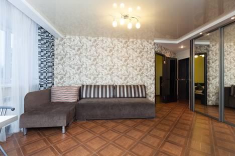 Сдается 3-комнатная квартира посуточно в Новосибирске, кошурникова, 5.