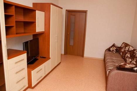Сдается 2-комнатная квартира посуточно в Самаре, ул. Ялтинская, 32.
