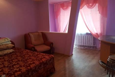 Сдается 1-комнатная квартира посуточно в Кургане, ул. Дзержинского 50.