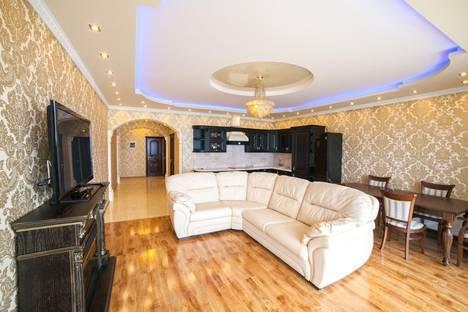 Сдается 3-комнатная квартира посуточно в Сочи, Курортный проспект 92/5.