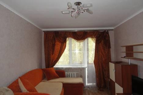 Сдается 3-комнатная квартира посуточно, Труфанова 10.