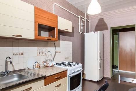 Сдается 2-комнатная квартира посуточнов Тюмени, Широтная улица, 173.