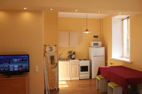 Сдается 2-комнатная квартира посуточно в Железногорске, ул. Ленина, д 50.