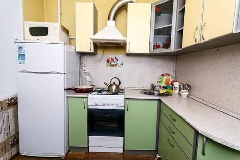 Сдается 2-комнатная квартира посуточно в Миассе, проспект Макеева, 24.