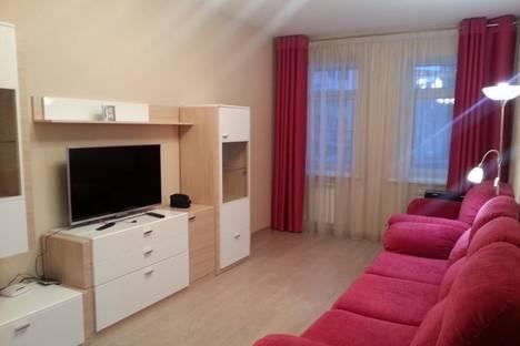 Сдается 2-комнатная квартира посуточно, проспект Толбухина, 26.
