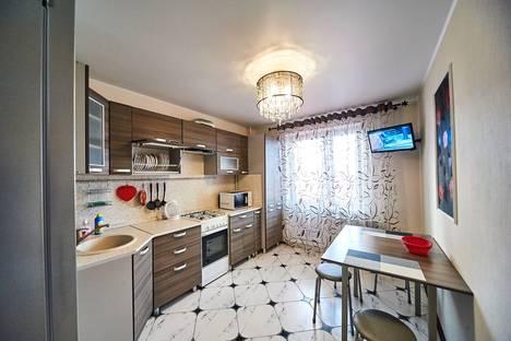 Сдается 1-комнатная квартира посуточно в Смоленске, улица Черняховского, 13.