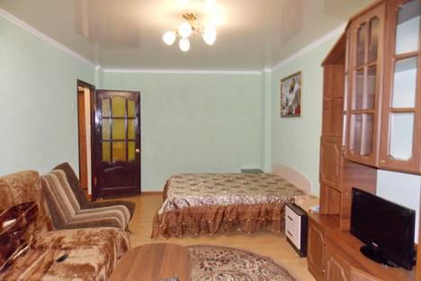 Сдается 1-комнатная квартира посуточно в Курске, ул. Ленина, 94.