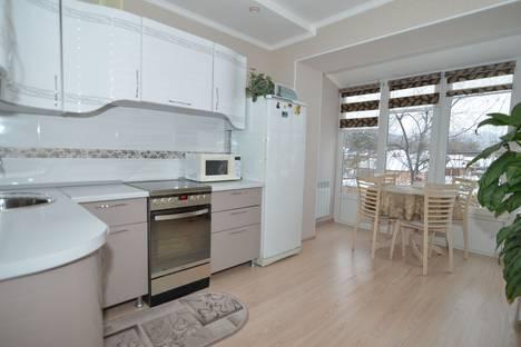 Сдается 2-комнатная квартира посуточно в Байкальске, Гагарина, 30.