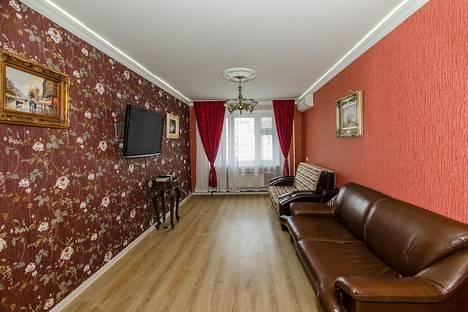 Сдается 3-комнатная квартира посуточно, Чистопольская, 43.