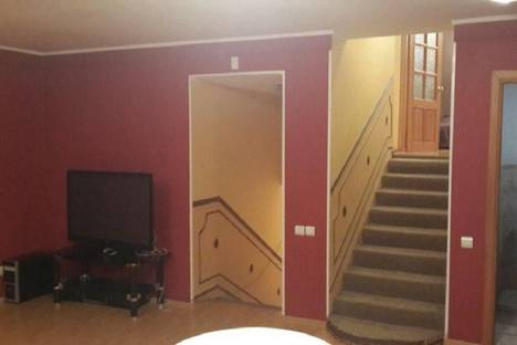 Сдается 3-комнатная квартира посуточно, переулок Щегловский, 10а.