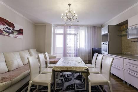 Сдается 3-комнатная квартира посуточно в Алматы, Торайгырова, 25.