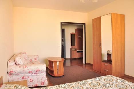 Сдается 1-комнатная квартира посуточнов Екатеринбурге, ул. Чекистов, 18.