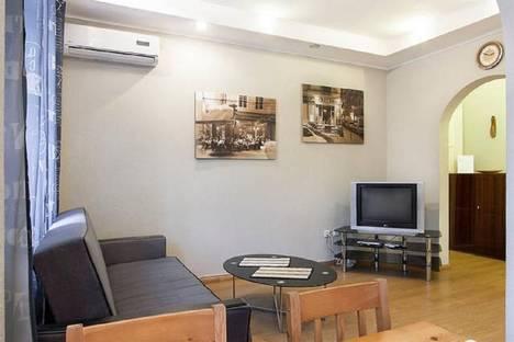 Сдается 2-комнатная квартира посуточно в Киеве, ул. Л. Первомайского, 4.