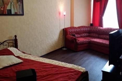 Сдается 2-комнатная квартира посуточно в Кировске, Олимпийская, 28.