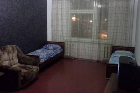 Сдается 2-комнатная квартира посуточно в Кировске, Кондрикова, 6.