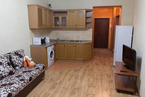 Сдается 1-комнатная квартира посуточно в Алматы, Навои, 208.