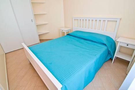 Сдается 2-комнатная квартира посуточнов Феодосии, Черноморская набережная, 1 - В.