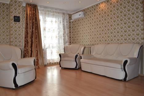 Сдается 3-комнатная квартира посуточнов Челябинске, ул. Кирова, 23А.