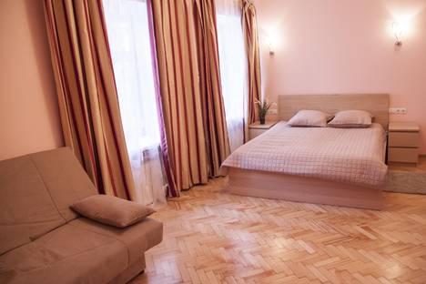 Сдается 3-комнатная квартира посуточнов Санкт-Петербурге, Невский 146.