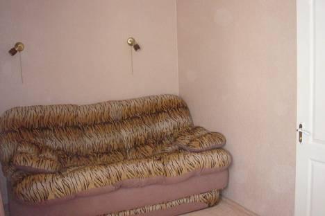 Сдается 2-комнатная квартира посуточно в Херсоне, пр.Ушакова 68.