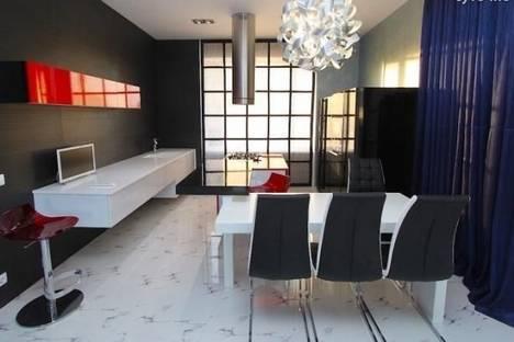Сдается 2-комнатная квартира посуточно в Феодосии, пер.Свердлова, 1.