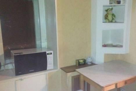 Сдается 1-комнатная квартира посуточно в Кировске, Дзержинского, 11.