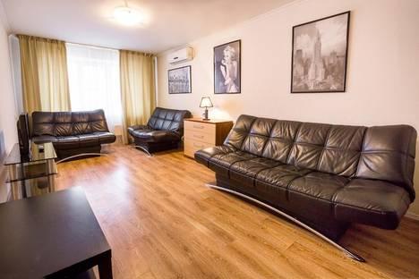 Сдается 3-комнатная квартира посуточно в Тольятти, шоссе Южное, 45.