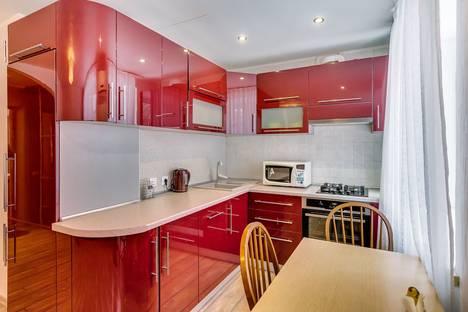 Сдается 2-комнатная квартира посуточно в Ростове-на-Дону, ул.Малюгиной 156.