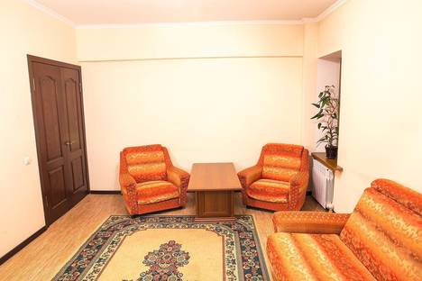 Сдается 1-комнатная квартира посуточно в Алматы, Басенова 41/1.