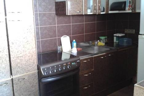 Сдается 1-комнатная квартира посуточнов Екатеринбурге, ул. Стрелочников, 4.