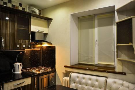 Сдается 2-комнатная квартира посуточно, ул. Мира, д 4.