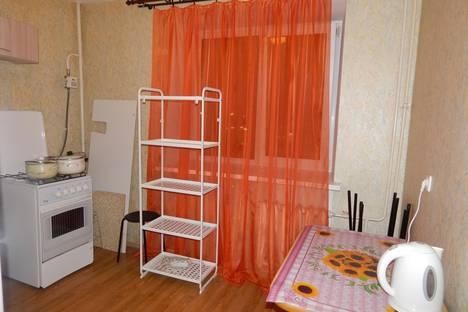 Сдается 2-комнатная квартира посуточнов Великом Новгороде, ул. Нехинская, 30а.