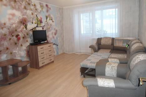 Сдается 2-комнатная квартира посуточно в Горно-Алтайске, Центр. ул. Ленкина, 10.