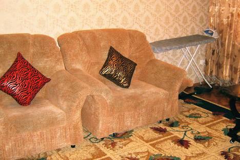 Сдается 1-комнатная квартира посуточно, ул. Академика Бектурова, 25.
