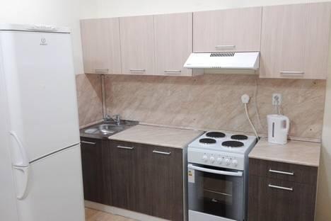 Сдается 2-комнатная квартира посуточно в Кирове, ул. Мостовицкая, 1.
