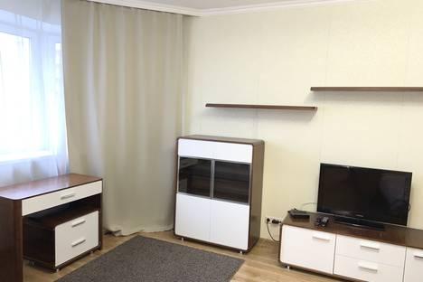 Сдается 1-комнатная квартира посуточно в Чехове, ул. Чехова, 2.